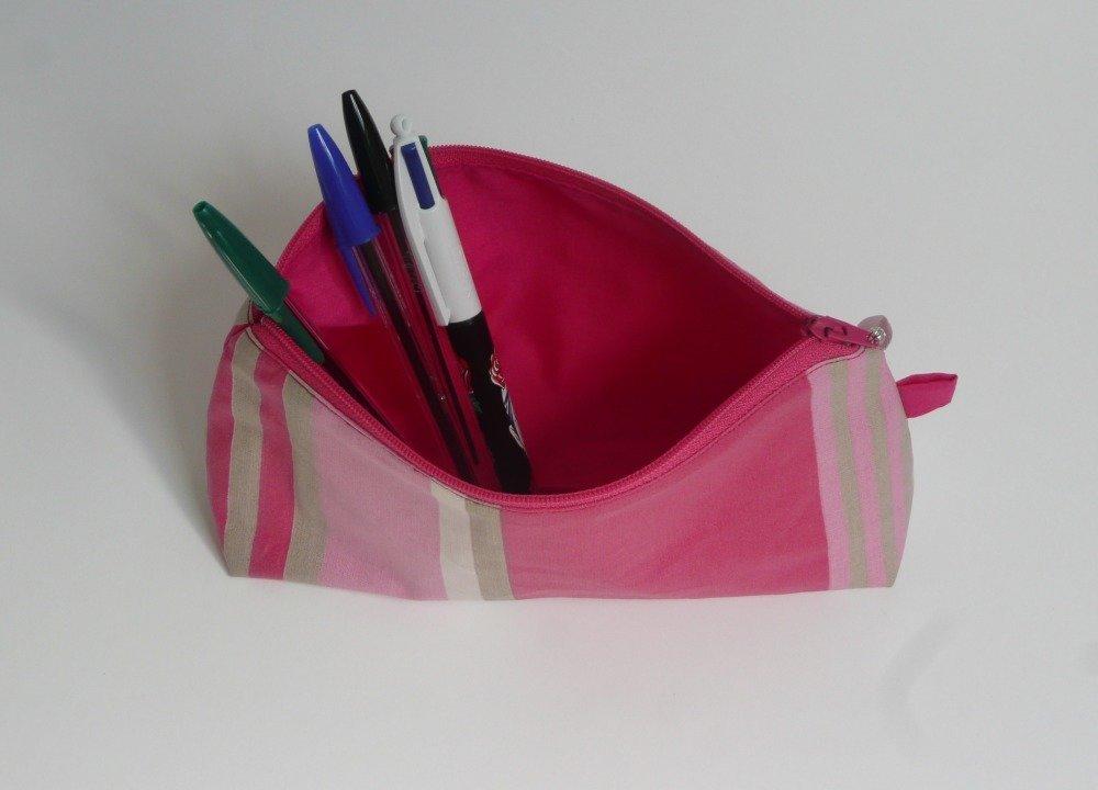 Trousse à crayons ou stylos / Trousse d'école