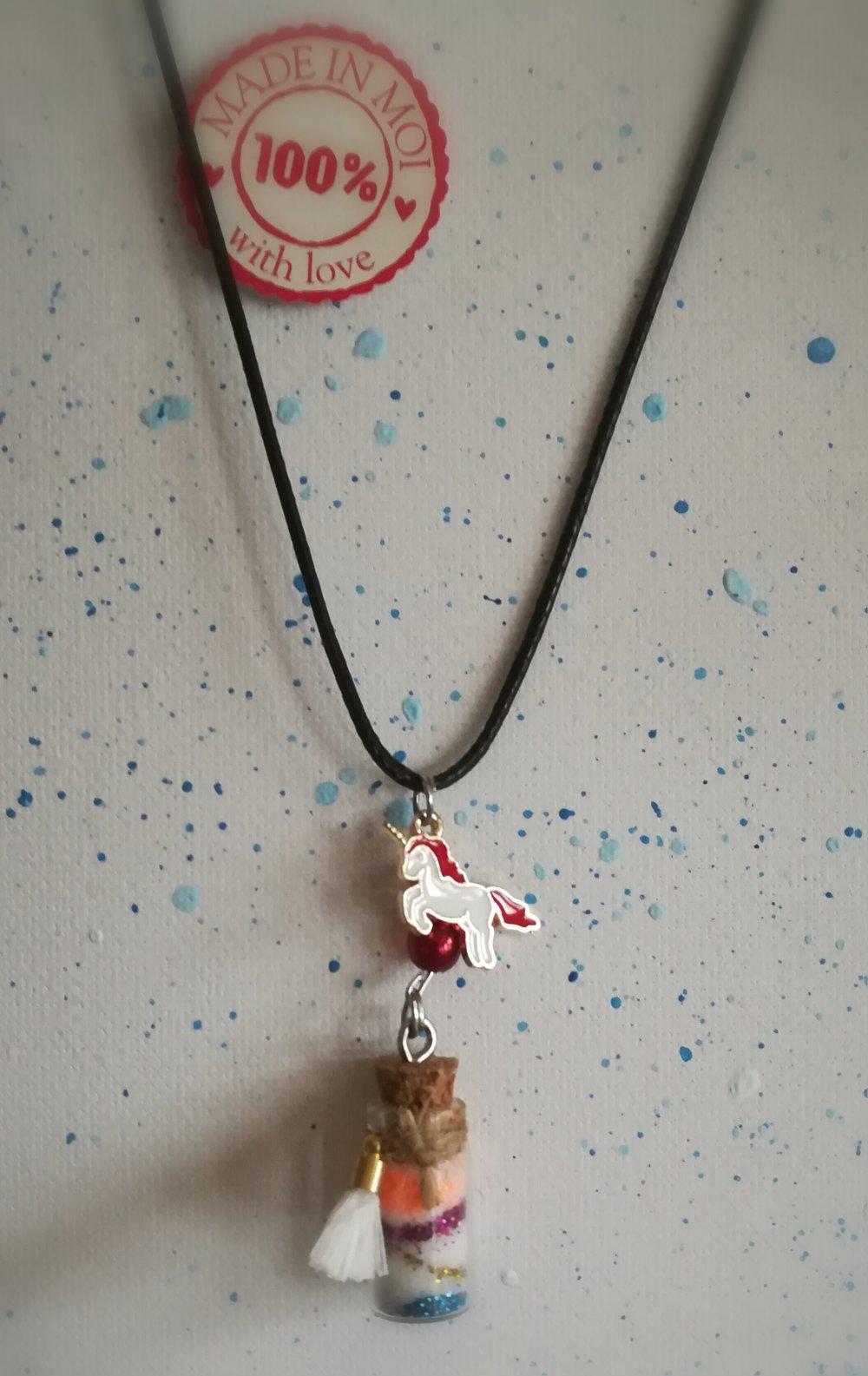 Collier fiole avec paillettes