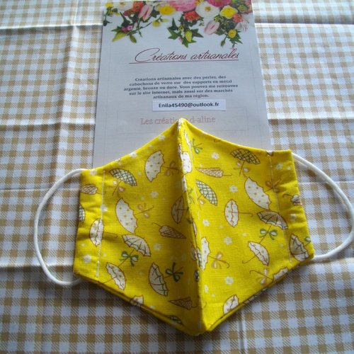 Masque enfant jaune avec des parapluies blancs