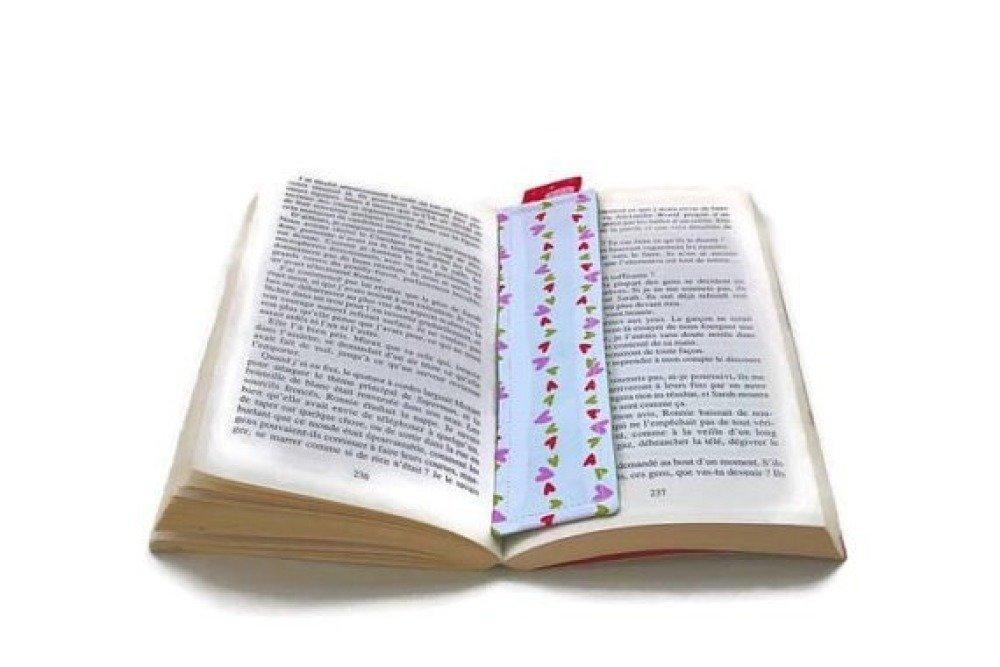 Marque pages vert à cœurs et fraises