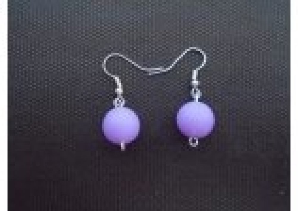 boucles d'oreilles boule violet