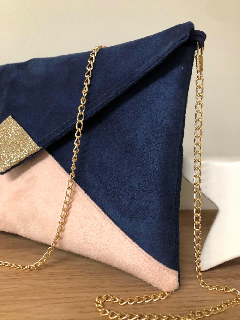 Pochette mariage bleu marine, rose poudré, paillettes dorées / Sac bandoulière suédine personnalisable, avec chaîne amovible