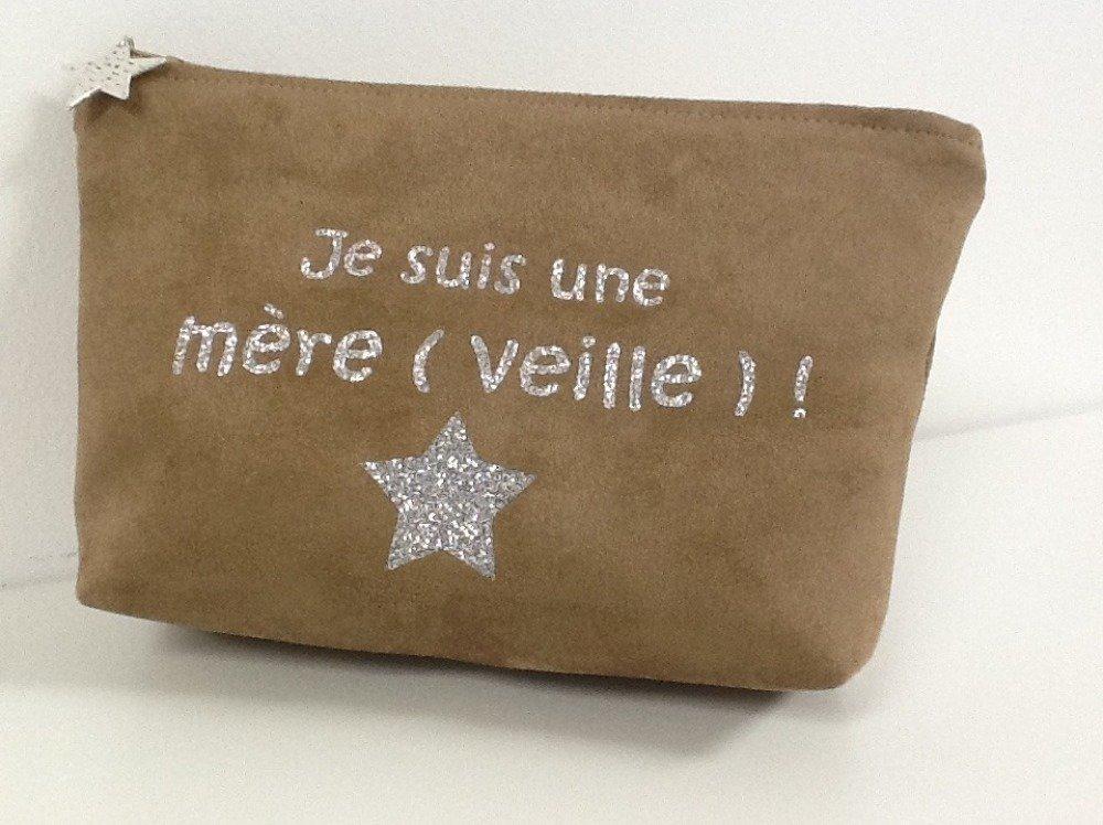 Pochette maquillage en suédine camel avec message et étoile argentés / Cadeau maman, personnalisable / Fête des mères