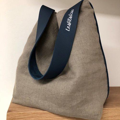Sac seau lin lavé taupe, anse cuir bleu marine / sac fourre tout lin et cuir / sac porté épaule femme