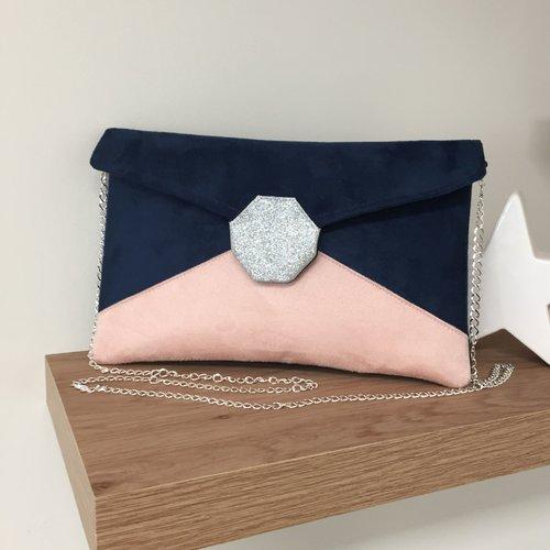 Pochette mariage bleu marine, rose poudré, paillettes argentées / sac à main forme enveloppe, suédine personnalisable, avec chaînette