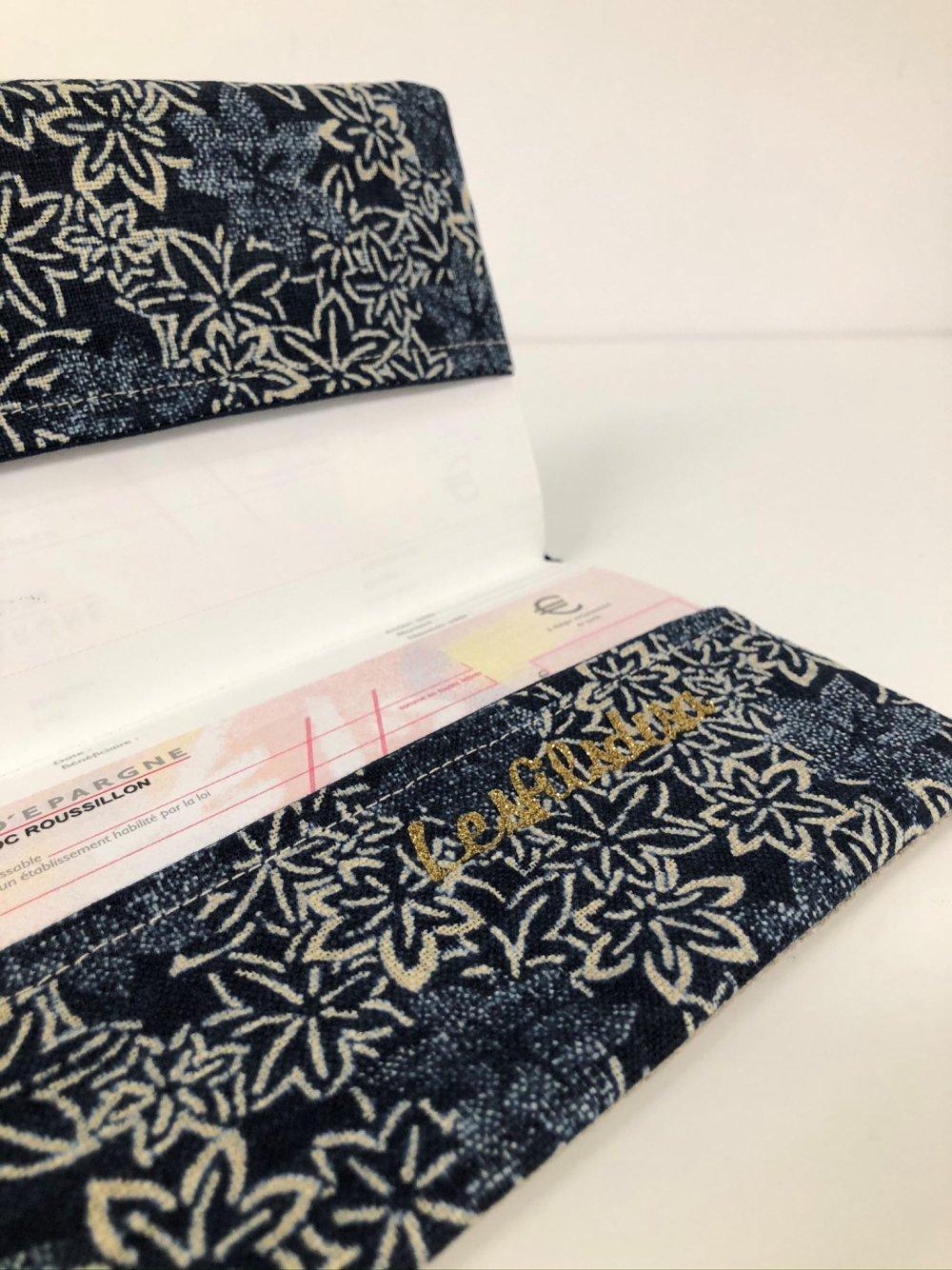 Etui chéquier en lin et tissu japonais bleu indigo / Porte chéquier format portefeuille beige bleu doré / Etui personnalisable
