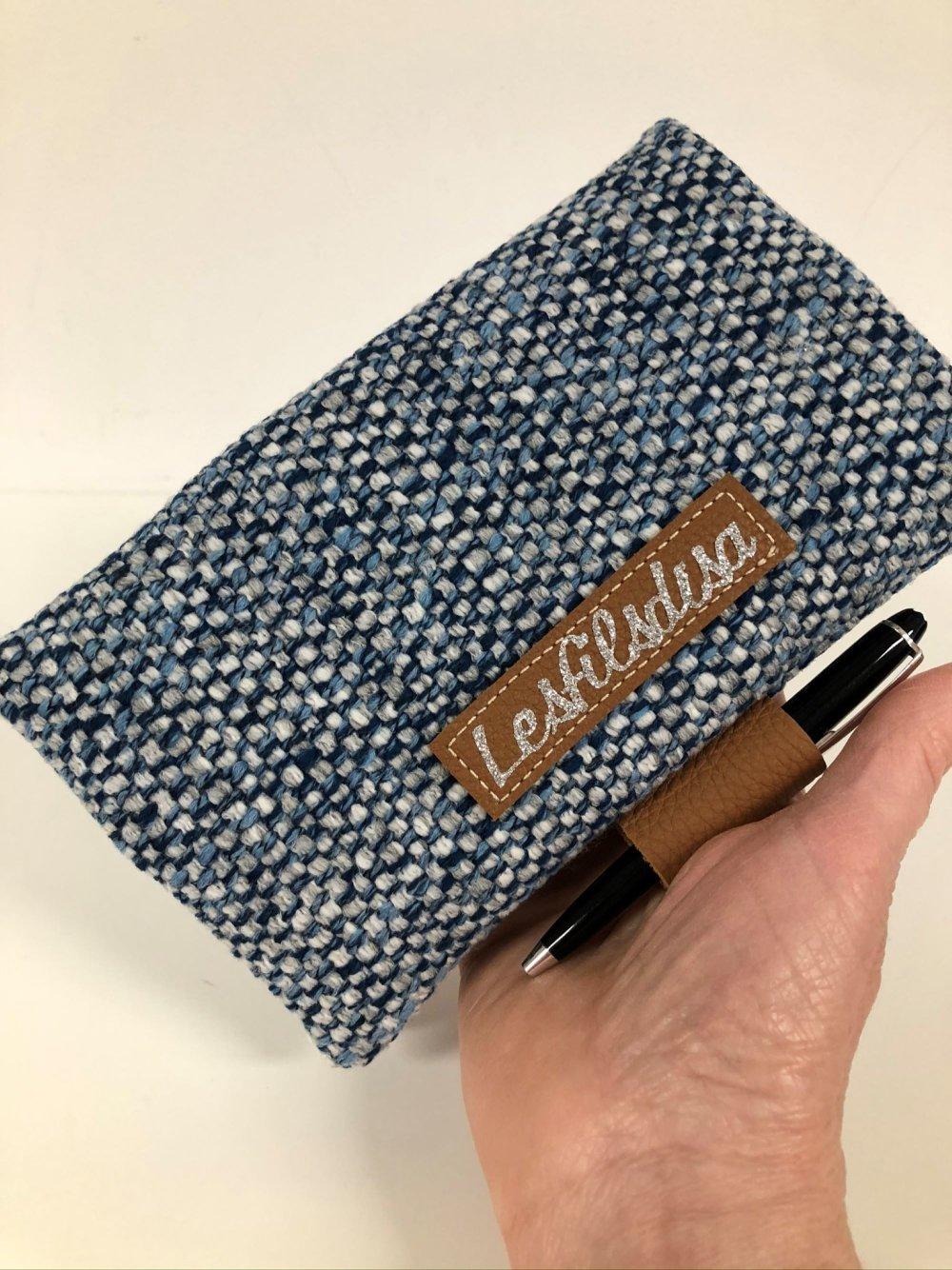 Porte chéquier bleu avec porte stylo cuir fauve / Etui chéquier en toile, personnalisable / Housse carnet chèques