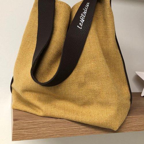 Sac seau en lin moutarde et anse cuir marron / sac bandoulière cuir chocolat, lin épais  / sac shopping toile jaune souple / fourre tout