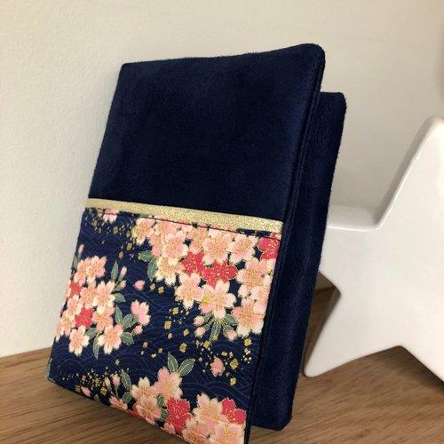 Protège livre bleu marine et doré, tissu japonais / housse agenda sur mesure / etui notebook personnalisé