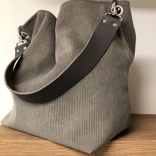 Sac fourre-tout velours gris taupe, anse cuir / sac hobo en velours cotelé taupe, anse cuir grainé gris amovible