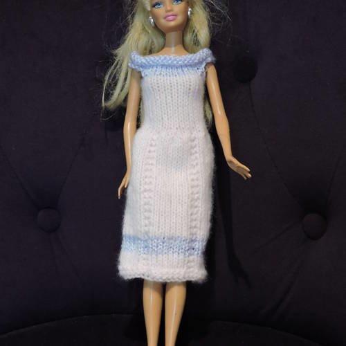 Robe  barbie, tricotées mains