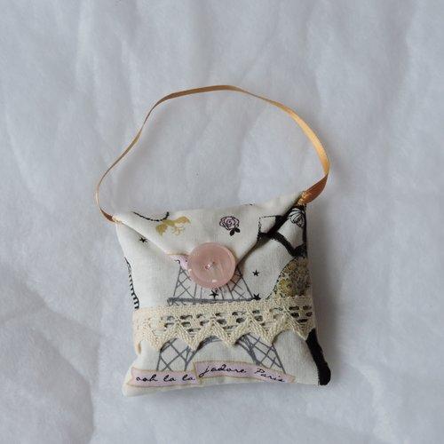 Coussin de lavande à suspendre cousu mains, tissu coton (lavande bio de mon jardin)