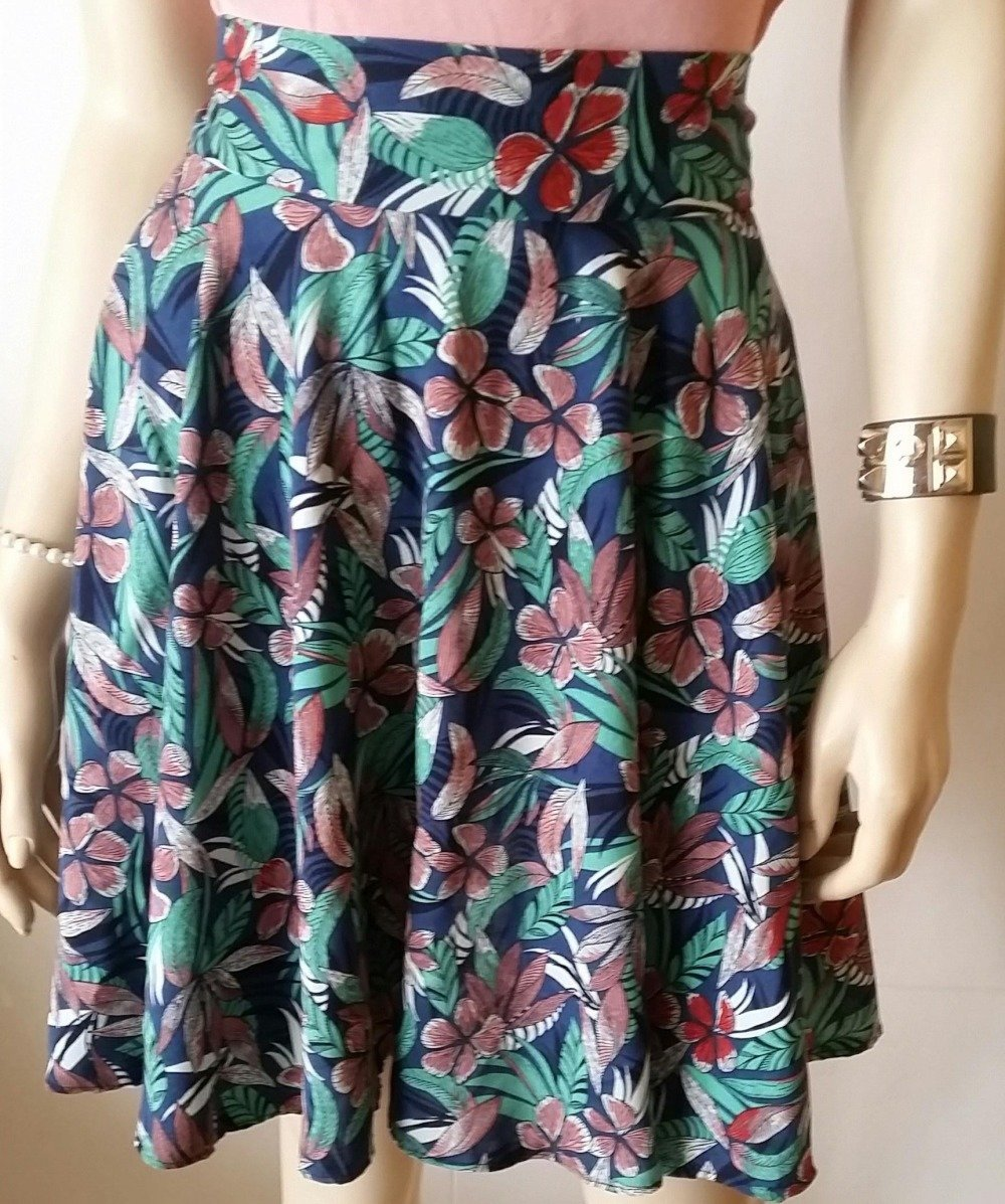 Jupe  fleurie taille haute-skirt-ample-évasée-corolle