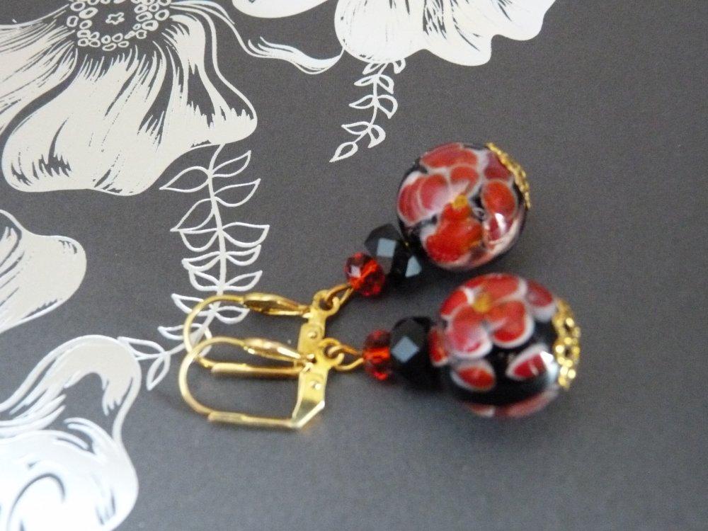 Boucles d'oreilles en perles de verre rouges et noires