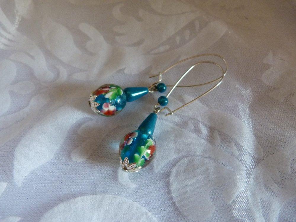 Paire de boucles d'oreilles en verre et perles magiques