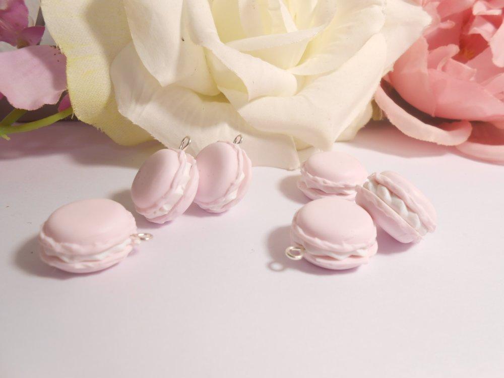 Breloque macaron rose pastel en fimo