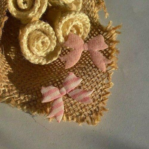 Lot de 10 noeuds en tissu carreaux rose, blanc, vichy, 2.5 x 2 cm (réf.123)