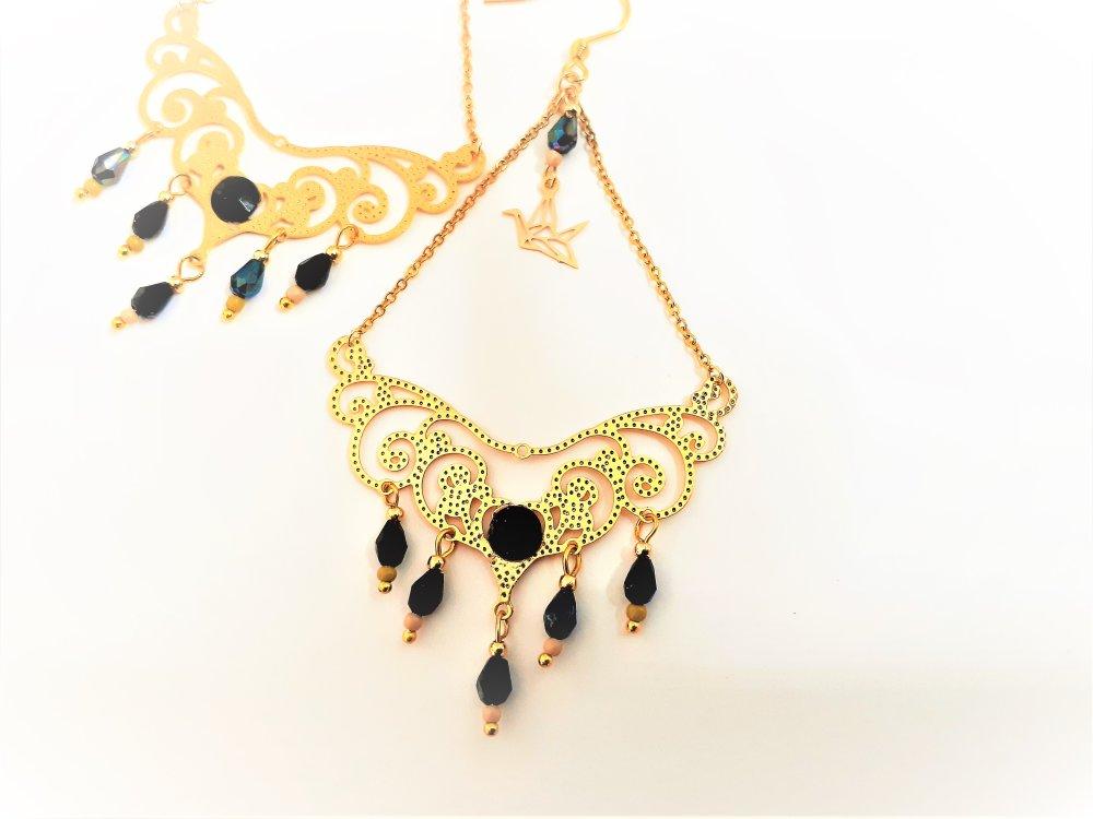 boucles d'oreilles ,pendantes, noires ,beiges ,dorées ,oiseau, origami