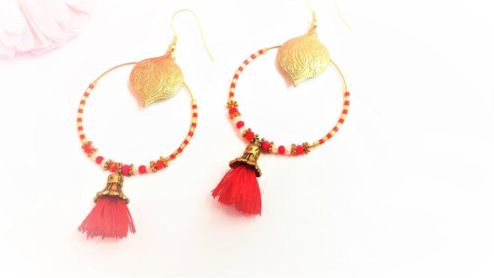 boucles d'oreilles ,créoles , rouge ,rose ,orientale