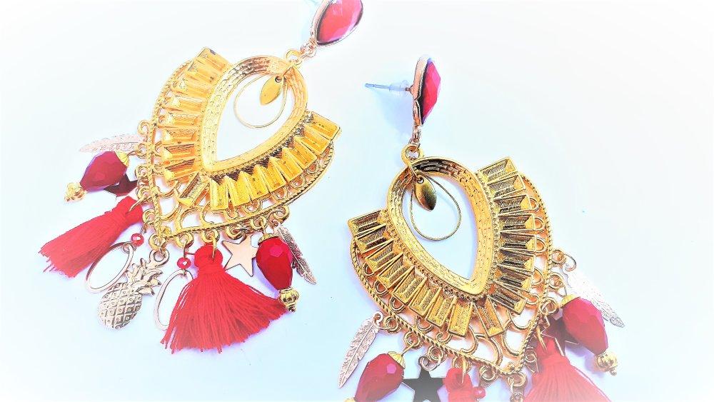 boucles d'oreilles ,pendante ,orientales, rouge,pompon