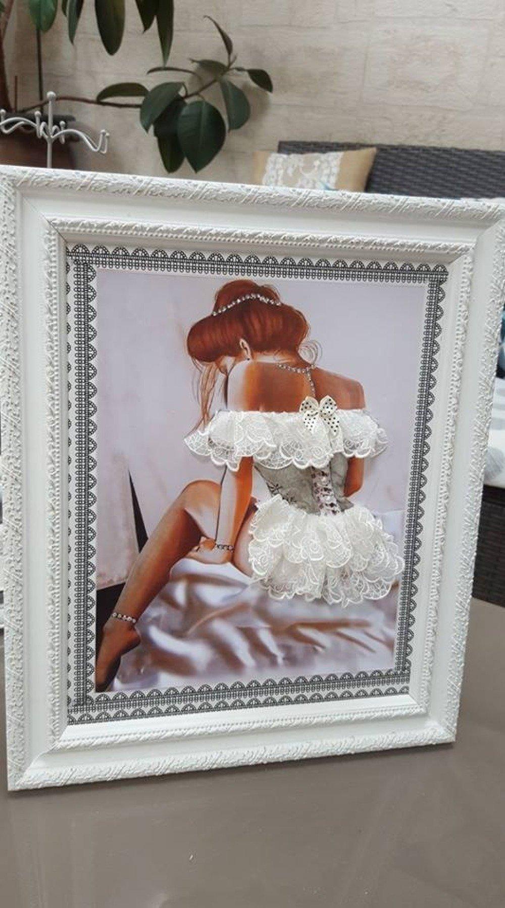 Collection Cadre Baroque Femme au corset sur carton plume