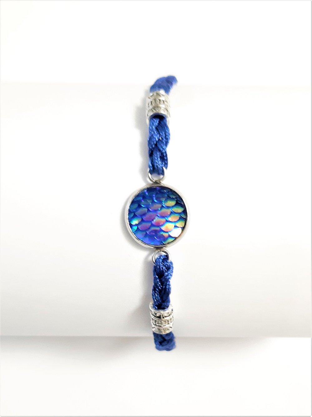 bracelet   cabochon bleu perles argent vieilli fil nylon bleu chainette acier