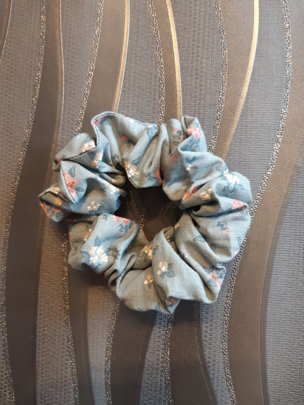 Chouchou simple fleuri vert