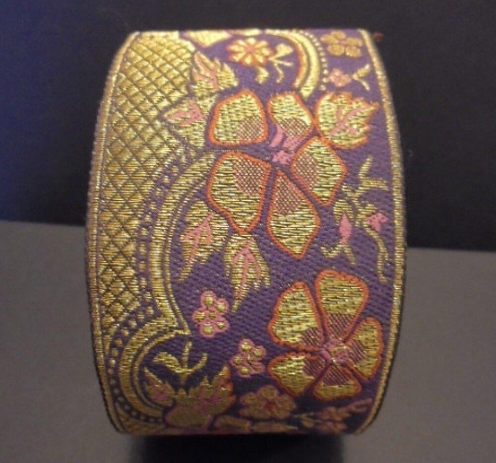 Galon violet Fleurs dorées