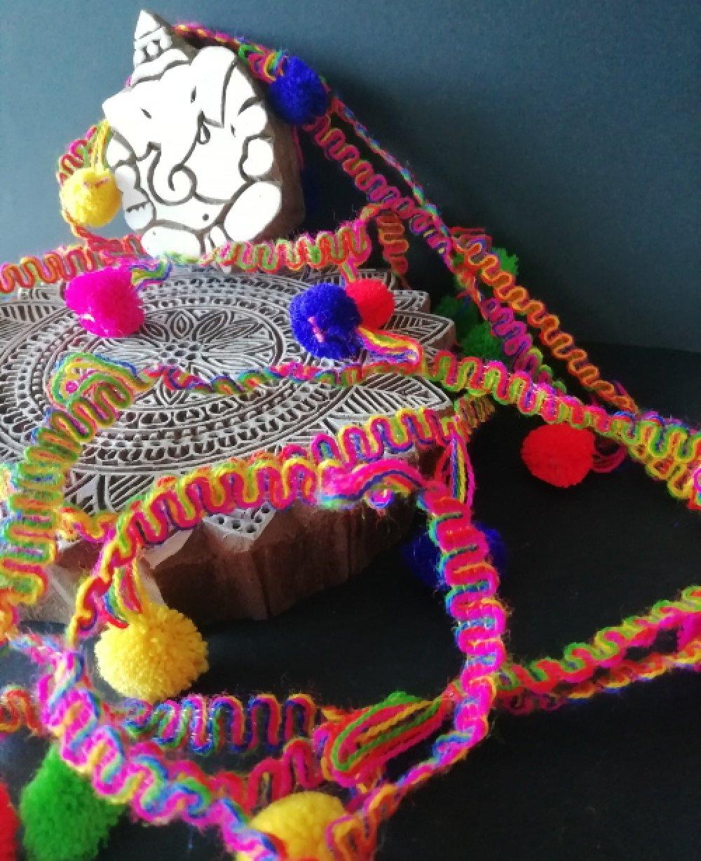 Ruban pompons laine multicolore