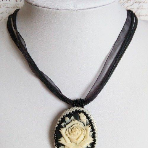 dessin collier perle