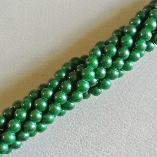 20 perles 6 mm rondes et lisses, en verre teinté vert gazon satiné nacré, trou environ 1,3 mm