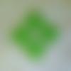 Lot de 4 sequins vert losange 18 mm émail époxy 2 faces, trou : 1 mm environ