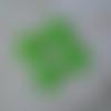 Lot de 4 sequins vert ronds 12 mm émail époxy 2 faces, trou : 1 mm environ