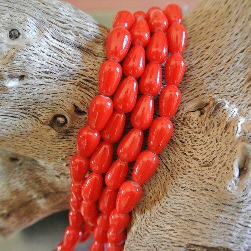 Lot de 10 perles forme larme ou goutte en verre rouge, 13 x 8 mm, trou environ 1,3 mm