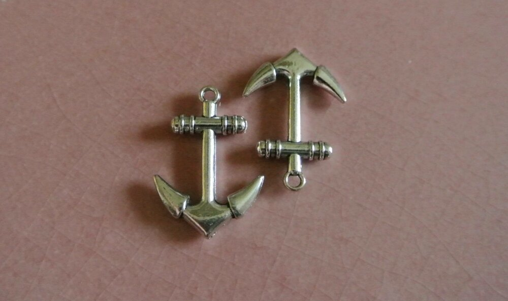 4 breloques en forme d'ancre ou fermoir en métal argenté, 30 x 20 x 4 mm, trou2,5 mm