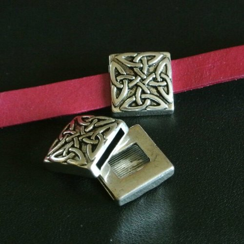 Perle passant argent antique motifs entrelacs celtiques carrée, trou 13 x 2,1 mm cordon plat