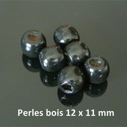 10 perles en bois teinté noir forme tambour, 12 x 11 mm environ et trou environ 5 mm (on peut facilement élargir le trou)