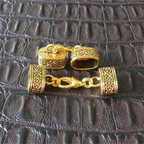 Un set 2 embouts et fermoir mousqueton métal doré, trou ovale 12 x 7 mm pour cordon à coller