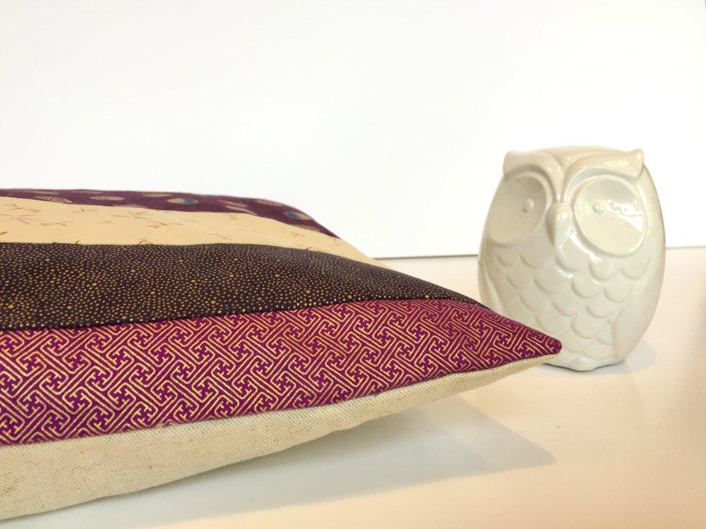 Housse coussin, patchwork, tissus  traditionnels japonais, violet, beige, carrée, 40 x 40 cm