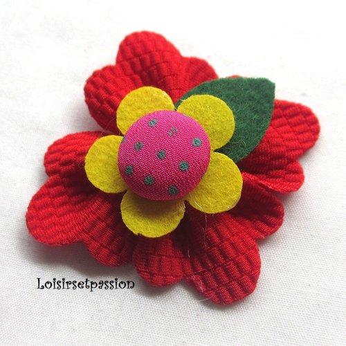 Applique fleur 3d, rouge, tissu gaufré et bouton recouvert ** 5 cm ** à coudre ou à coller, vendu à l'unité - f11
