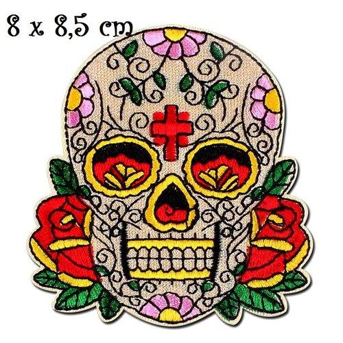 Patch écusson thermocollant - tête de mort, crane beige, fleur rose rouge ** 8 x 8,5 cm ** applique à repasser