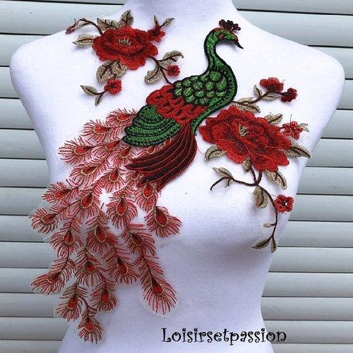 Grande applique oiseau paon, fleurs / rouge ** 32 x 56 cm ** dentelle brodée sur voile - à coudre - acd120