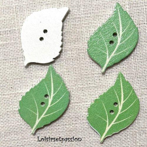 Bouton bois, feuille / vert clair ** 22 x 34 mm ** bouton fantaisie 2 trous - vendu à l'unité - bbf40