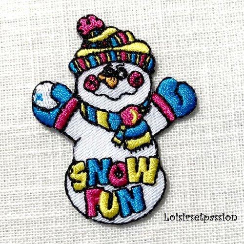 Écusson patch - bonhomme de neige écharpe, snow fun ** 4,5 x 6 cm ** applique brodée thermocollante