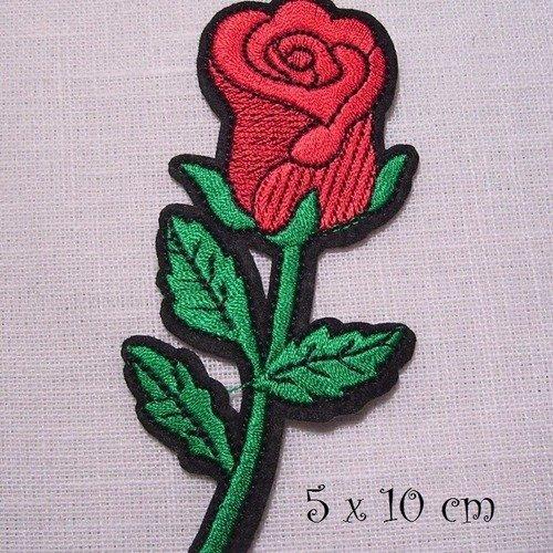 FLEUR ROSE ROUGE ** 6 x 6 cm ** APPLIQUE ÉCUSSON PATCH THERMOCOLLANT C5442