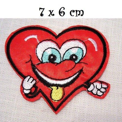 ÉCUSSON PATCH Brodé thermocollant ** 7,5 x 6,5 cm ** COEUR LOVE PEACE AMOUR