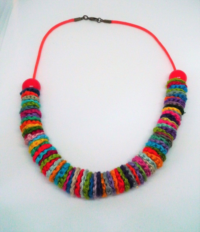 collier ras du cou au crochet, multicolore, perles oranges