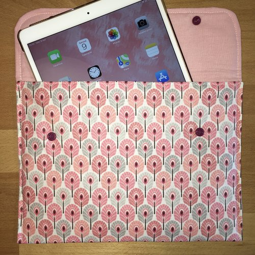 Housse tablette paon rose
