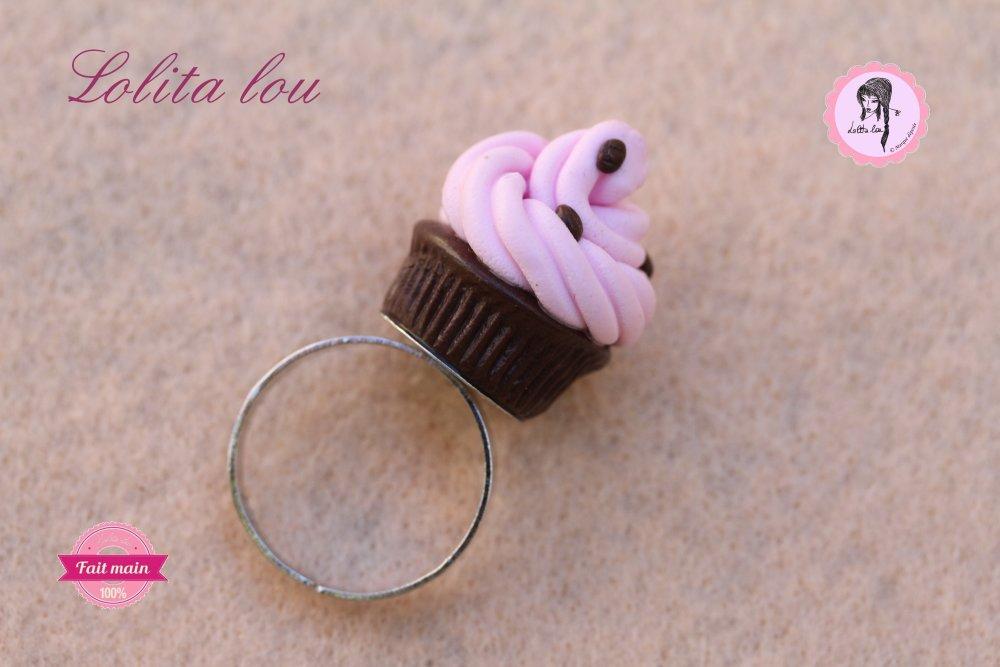 Bague cupcake chocolat fraise et ses pépites