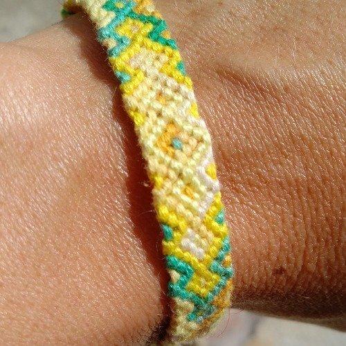 """Bracelet friendship, de l'amitié,  brésilien ou porte bonheur, jaune et vert, """"chakra plexus solaire"""""""